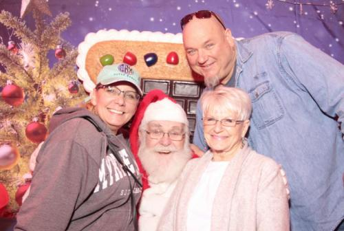 Shop & Dine with Santa 2018